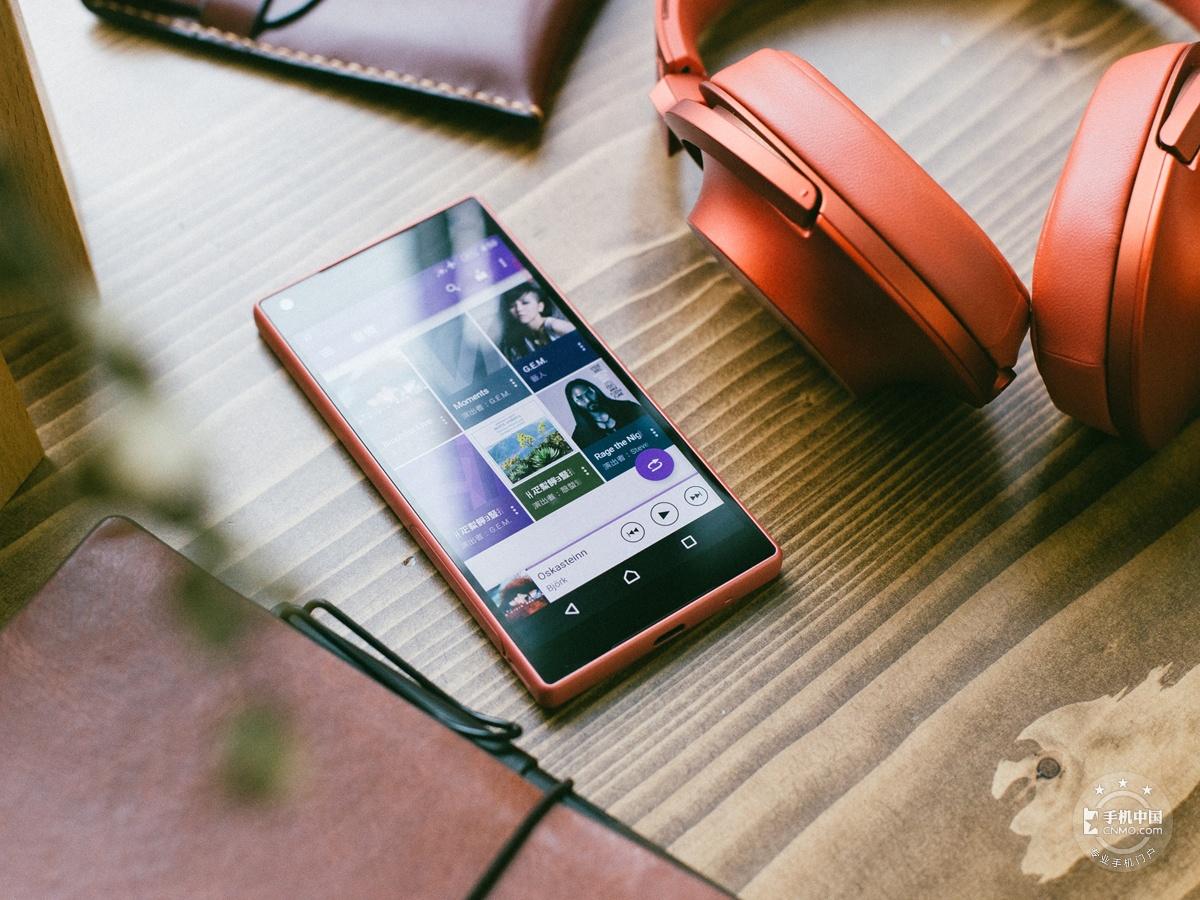 索尼Xperia Z5 Compact